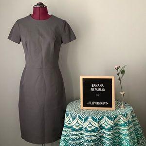 🎉HP🎉 💛BANANA REPUBLIC Gray Tailored Dress
